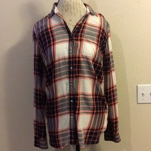 Stylus Pink Plaid Button Top Size M